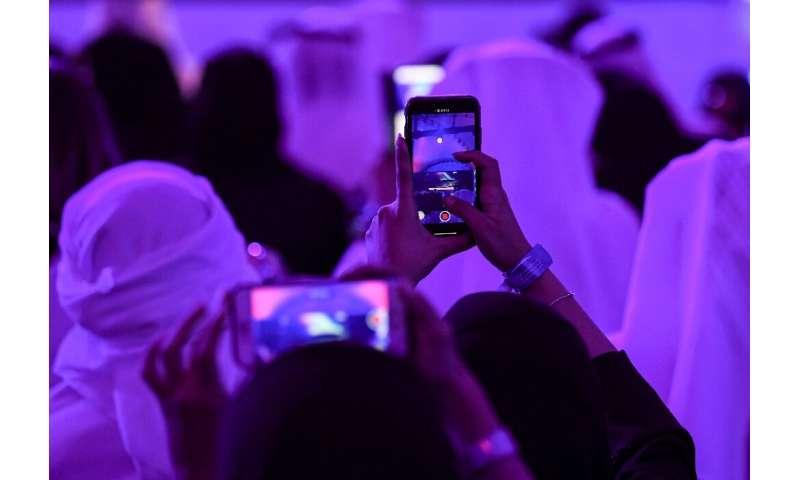UAE loosens restrictions, but most popular apps still barred