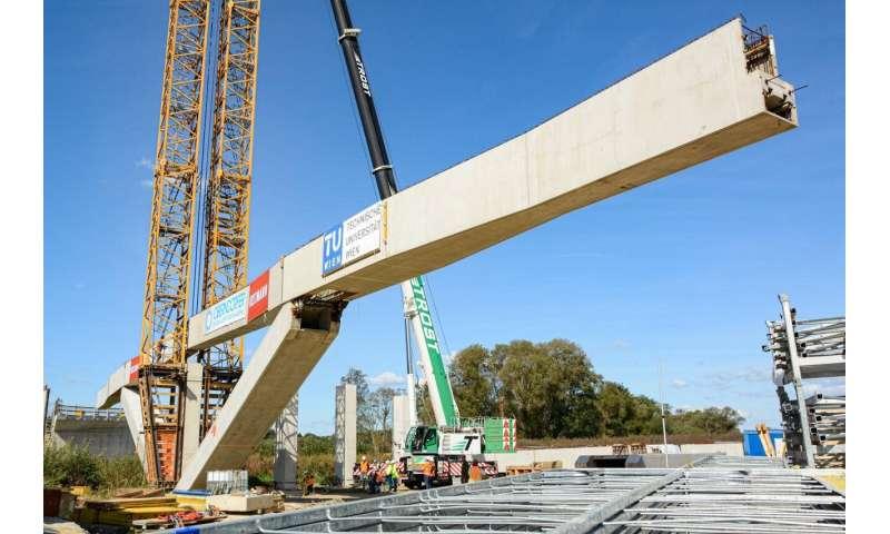 The unfoldable bridge