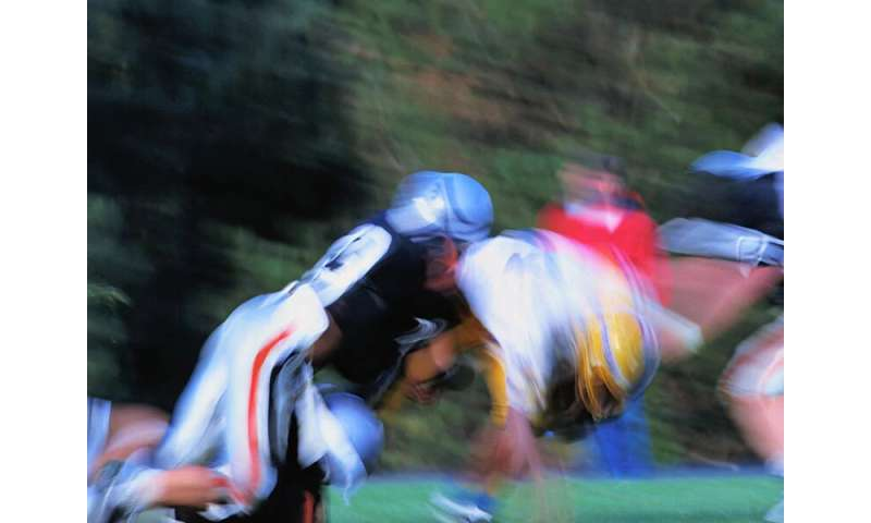 Time span of football play not linked to concussion recovery