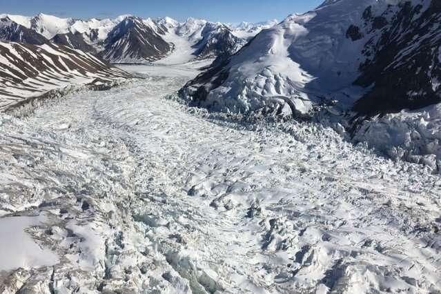 Tiny sand grains trigger massive glacial surges
