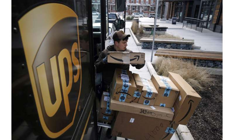 UPS says it plans to hire more than 100,000 holiday workers