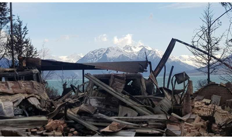 Up to 50 homes were destroyed by a wildfire which swept through the picturesque New Zealand village of Lake Ohau
