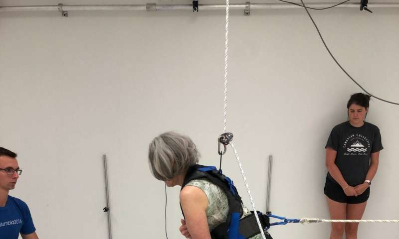 Weightlifting with lighter weights at faster speeds can improve mobility and cardiovascular health for older adults, MU research