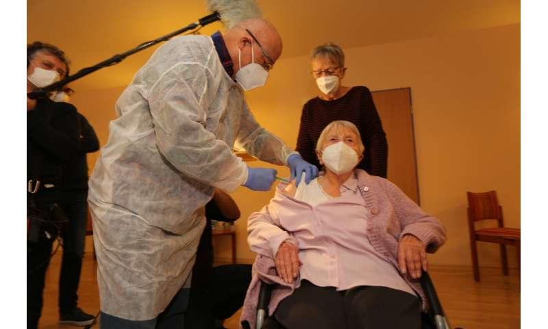 Pfizer temporarily reduces European deliveries of vaccine
