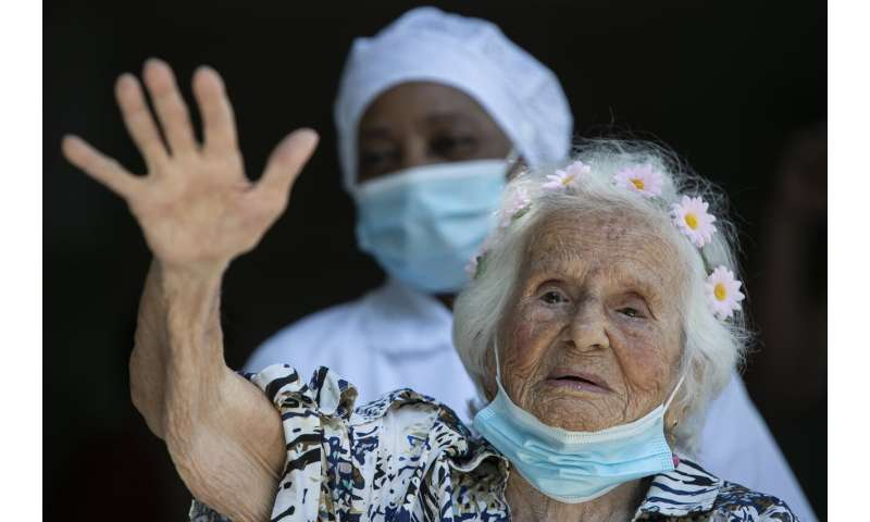 At 106, woman among earliest vaccine recipients in Brazil