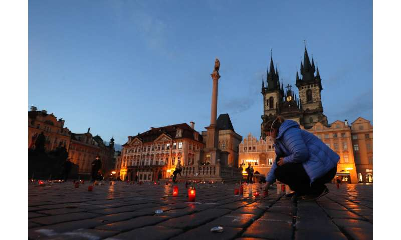 Czechs partially ease lockdown; kids to return to school