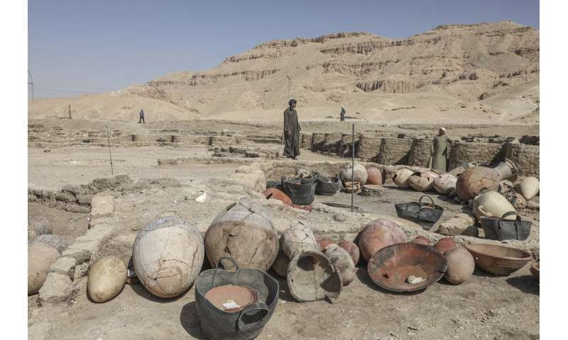 Famed Egyptian archaeologist reveals details of ancient city