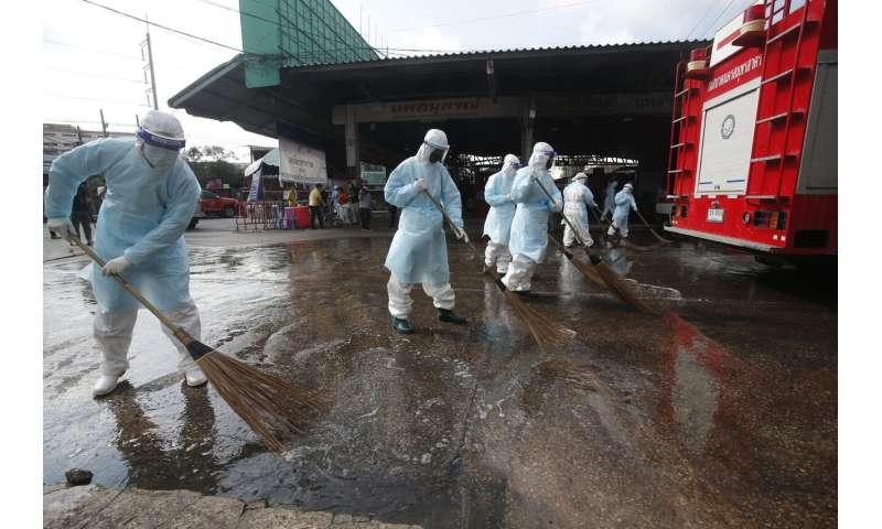 Thailand confirms record 914 new coronavirus cases