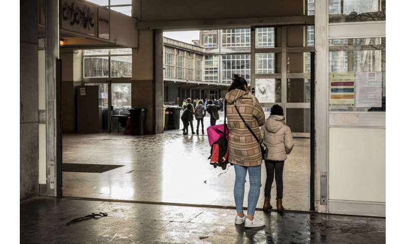 Belgian high schoolers demand to get back in-person learning