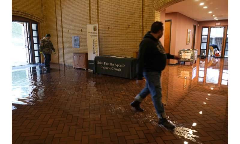 Frigid temperatures, power outages lead to water problems