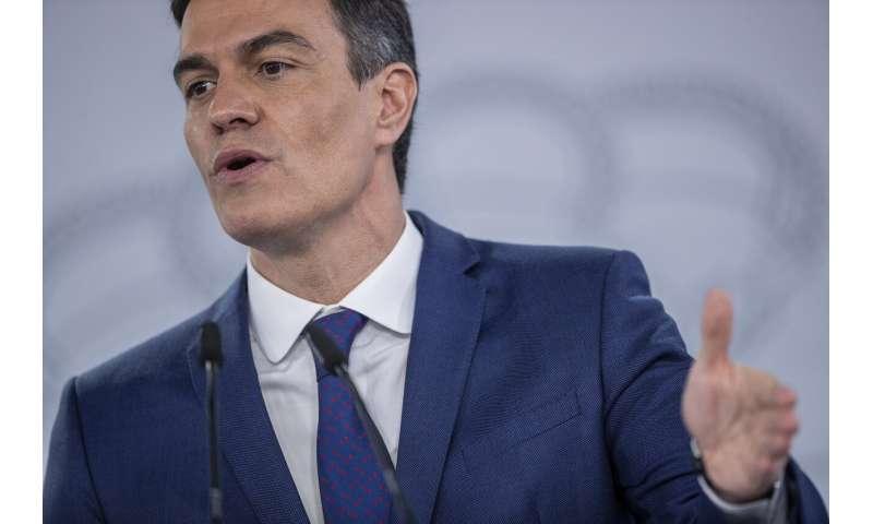 Spain prepares vaccine rollout surge as supplies gather pace
