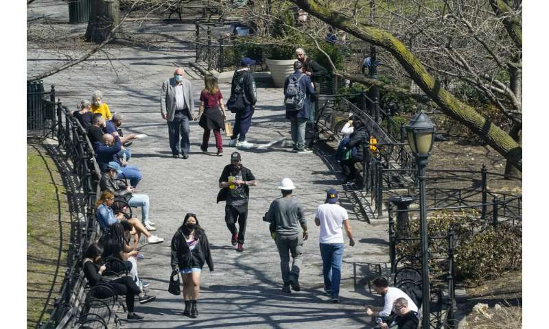 Virus fight stalls in early hot spots New York, New Jersey