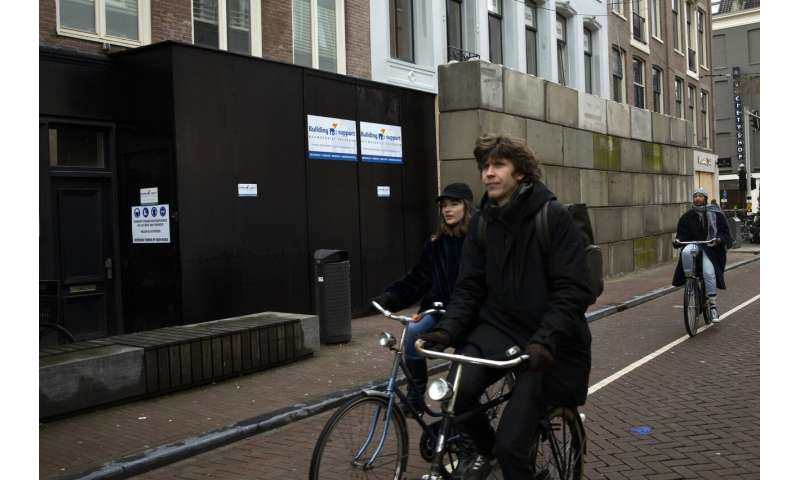 Dutch lockdown extended as virus variants gain strongly
