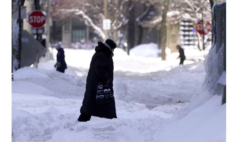 Explainer: Topsy-turvy weather comes from polar vortex