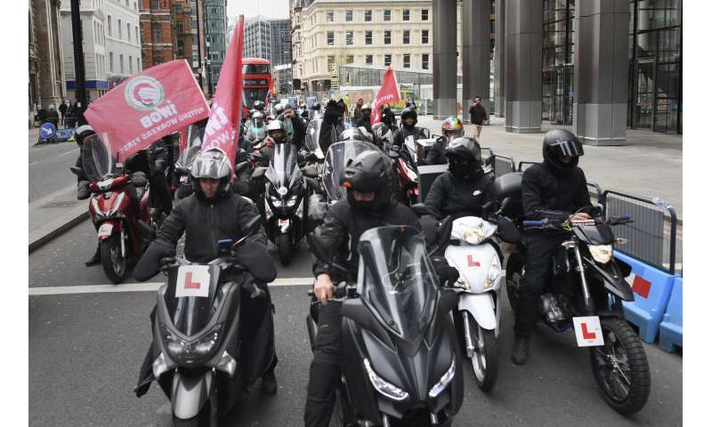 UK Deliveroo riders strike over pay, gig work conditions