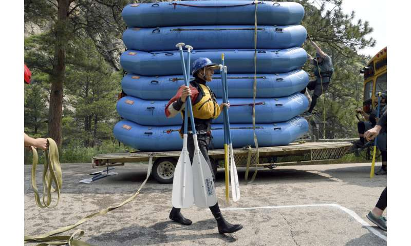 Amid drought, Colorado rafters flock to oases while they can