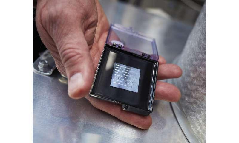 Compact amplifier could revolutionize optical communication
