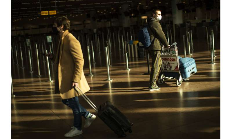 EU takes big step toward relaxing travel for vaccinated