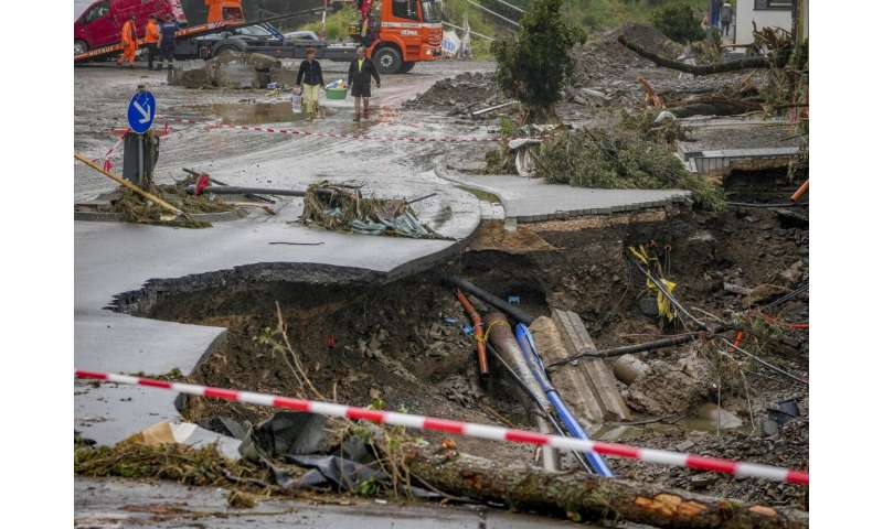 Experts: Europe floods show need to curb emissions, adapt