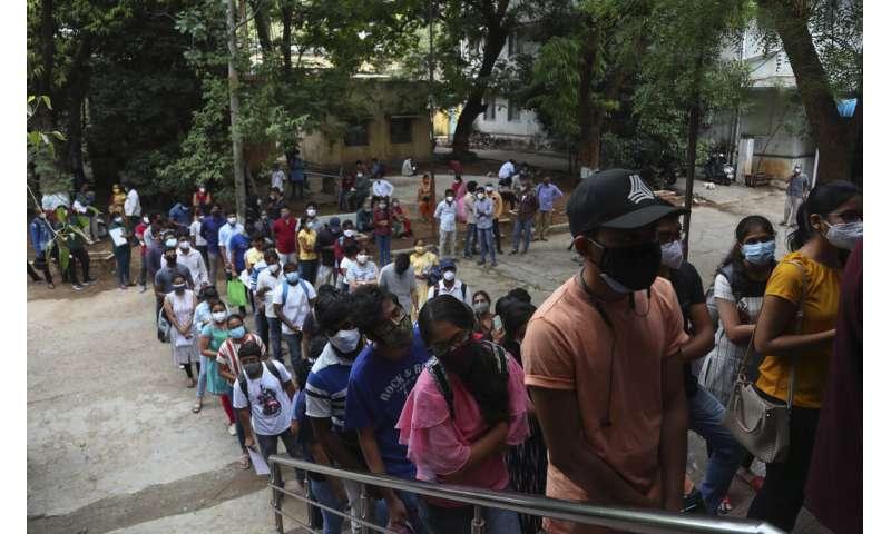 EXPLICADOR: Com l'Índia canvia el pla de vacunes enmig de l'escassetat