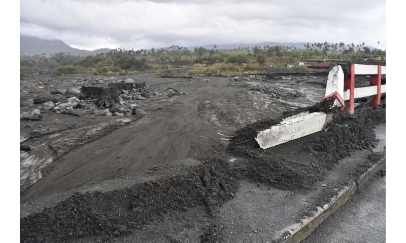 Flooding and mudslides add to St. Vincent's volcano woes