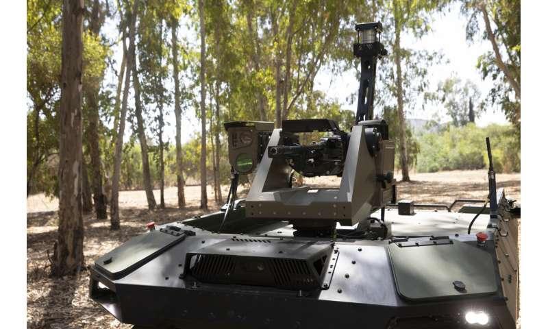 Israeli firm unveils armed robot to patrol volatile borders