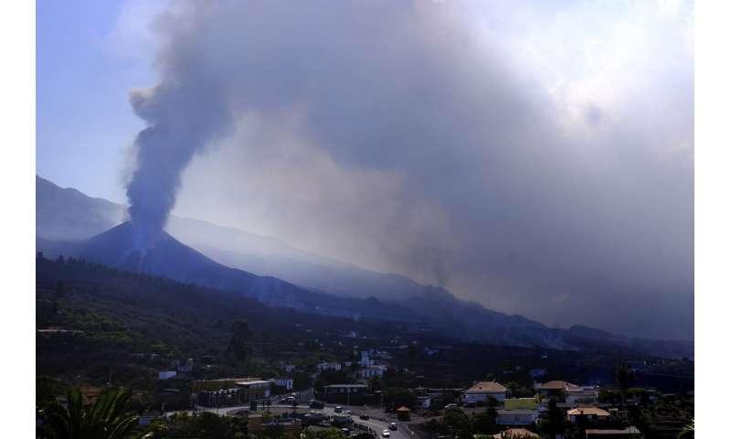Neuer Lavastrom bedroht noch mehr Gebäude auf La Palma