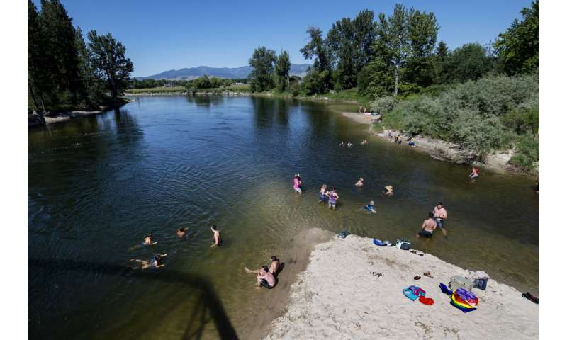 Northwest sizzles as heat wave hits many parts of US