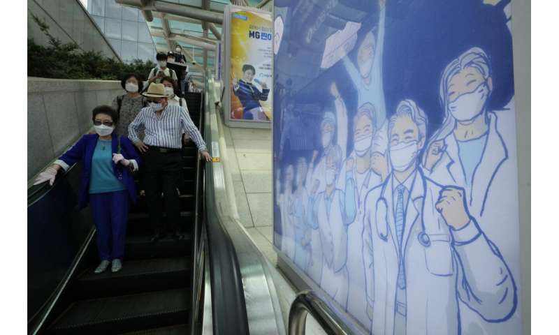 South Korea's cases jump to 1,200 amid slow vaccination