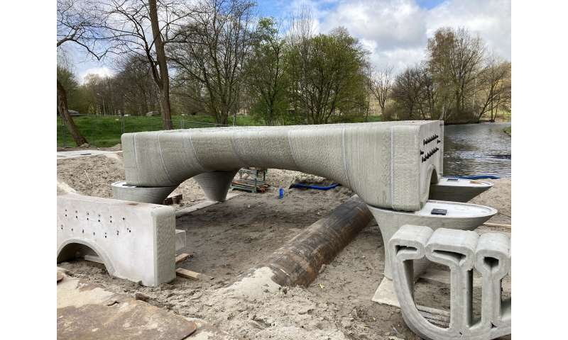 The longest 3D-printed concrete bicycle bridge in the world