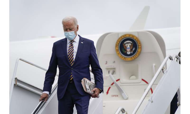 Top doctors say not so fast to Biden's boosters-for-all plan