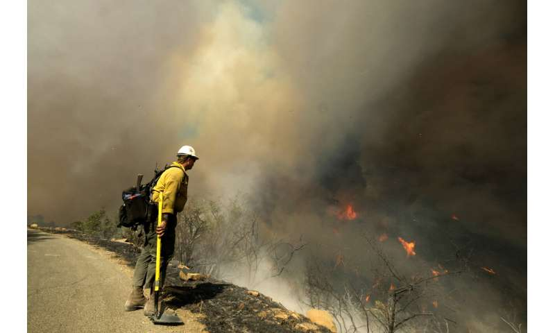 Wildfire rages in Southern California coastal mountains