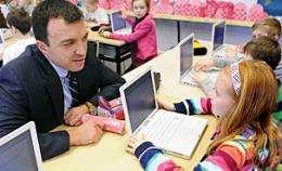 Laptops in school classes improve scores