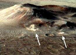 Mars volcanic deposit tells of warm and wet environment