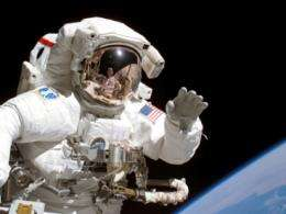 MIT researches cause of pain in spacesuit gloves