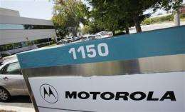 Motorola 2Q earnings climb, revenue stabilizes (AP)