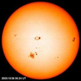 Sun's constant size surprises scientists