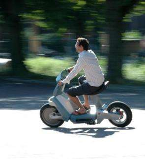 High-tech hydrogen scooter designed to sell clean technology