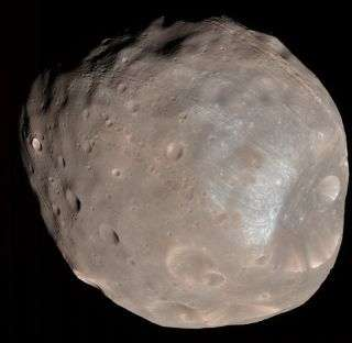 Spacecraft Images Mars Moon in Color and in 3D