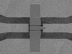 Scientists develop world's smallest diamond transistor