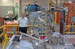 Researcher uses 100,000 degree heat to study plasma