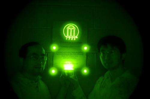 UGA scientists invent long-lasting, near infrared-emitting material