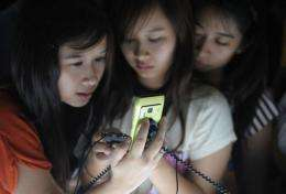 3G technology allows mobile phone users to surf the Internet