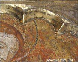 Diamond light illuminates process of silver decay in Catalonian altarpieces