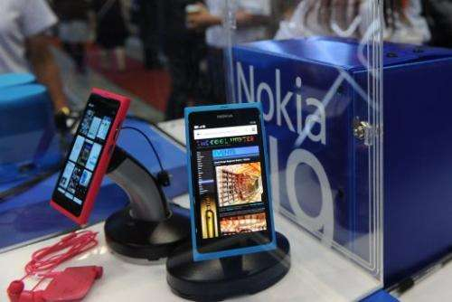 Fans lauded the N9's ease of use while detractors mocked what they saw as its outdated Meego operating system