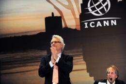 ICANN President and CEO Rod Beckstrom (R), and Chairman of the Board Peter Dengate (L)