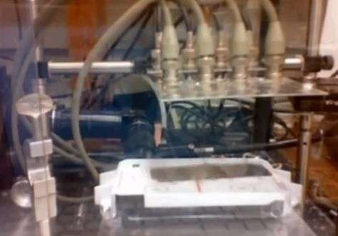 'Flying carpet': Princeton team's plastic sheet can hover above ground (w/ video)