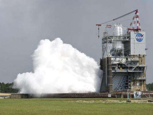 NASA tests deep space J-2X rocket engine