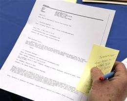 Palin emails let old media test new media methods (AP)