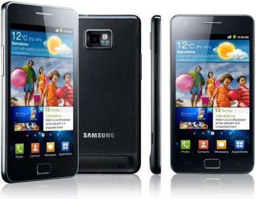 Samsung challenges Apple with new smartphone